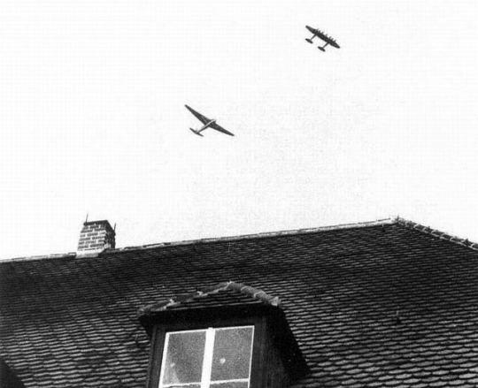 Heinkel He-111Z Zwilling Me-321 Gigant worldwartwo.filminspector.com