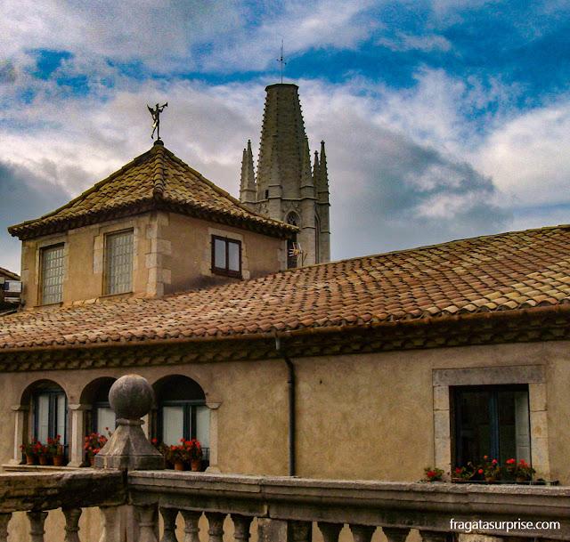 Palácio da Família Montcada e Torre da Igreja de Sant Feliu, Girona, Catalunha