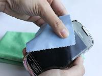 Cara Membersihkan Layar Sentuh HandPhone