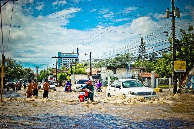Contoh Teks Eksplanasi Banjir beserta Strukturnya (Lengkap)