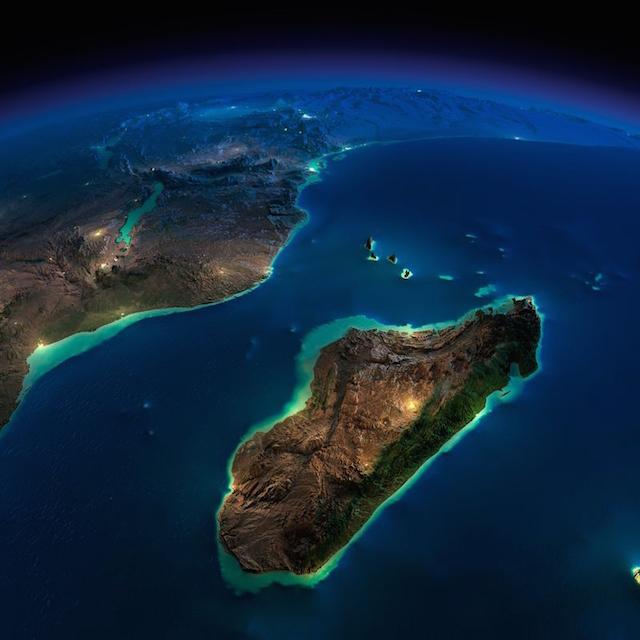 صور مذهلة للأرض التقطت ليلاً من الفضاء الخارجي بواسطة وكالة الفضاء الأمريكية ناسا 1
