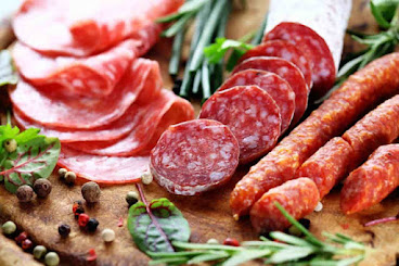 Is salami good for dogs, Is salami bad for dogs, How much protein in salami for dogs
