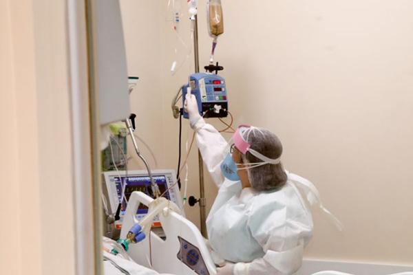 Paciente intubado no HMM – Foto: Aldemir de Moraes/PMM