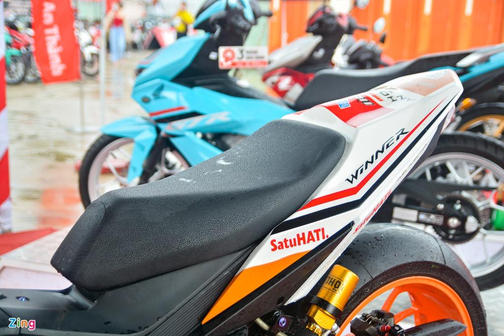 Chi tiết Honda Winner độ thành xe đua của biker Việt