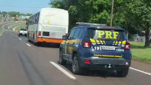 Santa Terezinha de Itaipu: Ônibus carregado com contrabando é apreendido