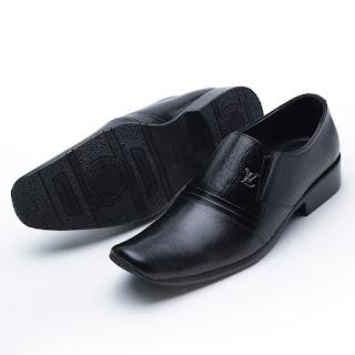 Sepatu pantofel resmi pria