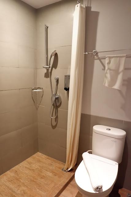 kamar mandi kamar suite batiqa cirebon