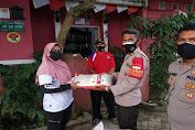 Bagikan Paket Sembako Bagi Warga Yang Isolasi Mandiri, Kapolsek Cisoka: Oksigen Juga Kami Siapkan