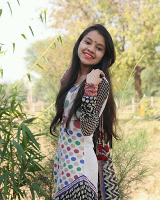Top Shital Thakor smiling images