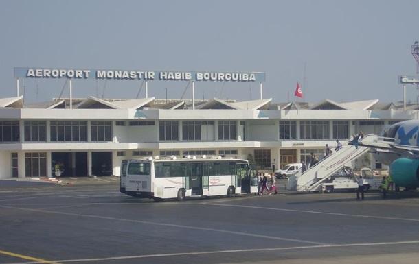 У Тунісі застрягли сотні туристів з України