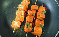 Cooking paneer on Tawa or non stick pan for paneer Tikka