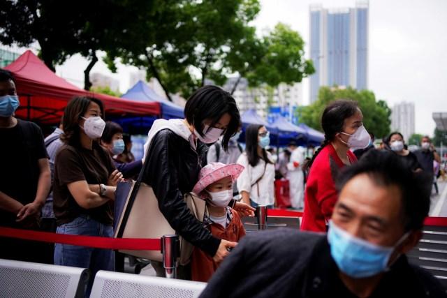 China Makin Ketat, Swab Corona Lewat Lubang Pantat Diklaim Lebih Akurat