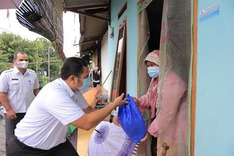 'Tangerang Bersedekah', Bagikan 6.425 Paket Sembako Kepada Warga