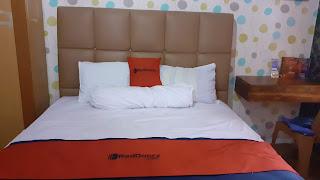 Kamar tidur di penginapan