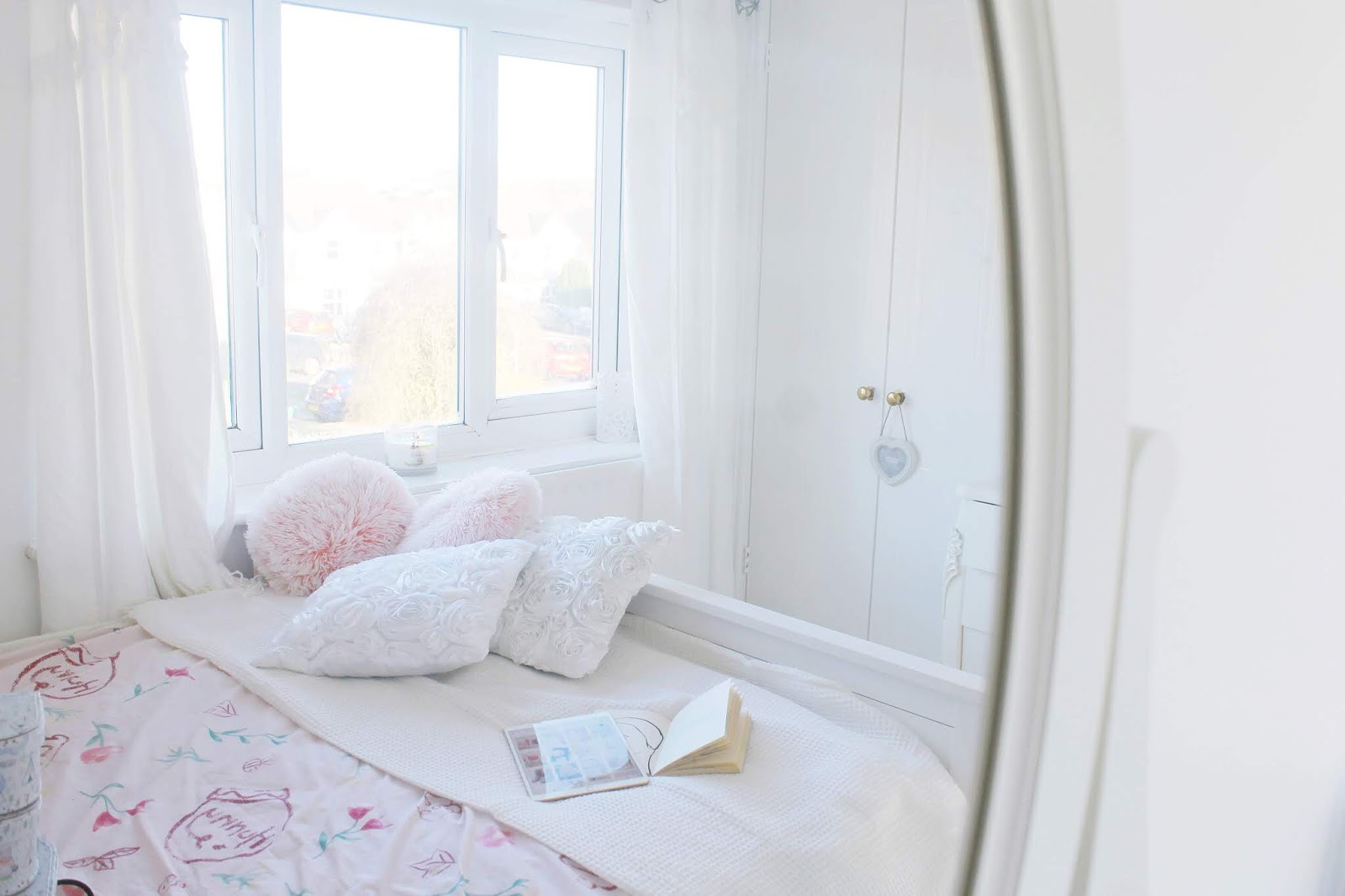 Modern princess room and home ideas for a girly apartment, girly bedroom or even dorm room