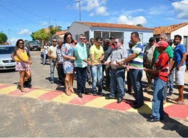 Bahia: Oliveira dos Brejinhos: 'Inauguração de quebra-molas' é 'obra' da oposição, diz vice