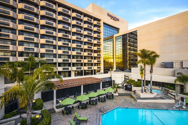 In the heart of Silicon Valley in vibrant San Jose, DoubleTree by Hilton Hotel San Jose is less than a half-mile from San Jose International Airport and 45 minutes from San Francisco International Airport.