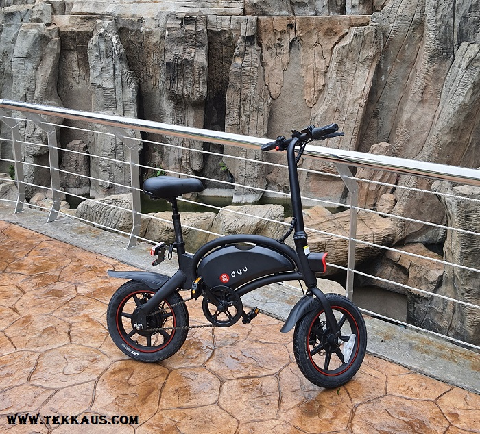 DYU D3+ Electric Bike Waterproof Rating IPX5 For Outdoors