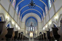 Paróquia Nossa Senhora do Monte Serrat (interior)