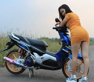 Modifikasi Nouvo Z Keren bersama Model Hot - 04