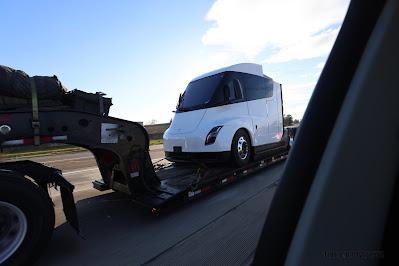 tesla semi truk