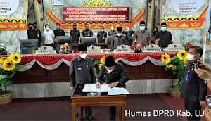 Ketua DPRD Lampura Romli A.Md  Pimpin Rapat ParipurnaTentang  Pengesahan KUA-PPAS Perubahan