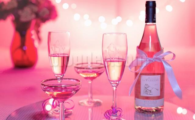 Cara minum wine yang benar