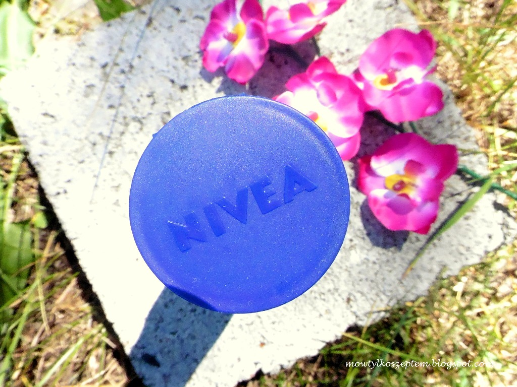 nivea-olejek-w-balsamie, nivea-kwait-wisni, nivea-balsam-do-ciala-z-olejkiem