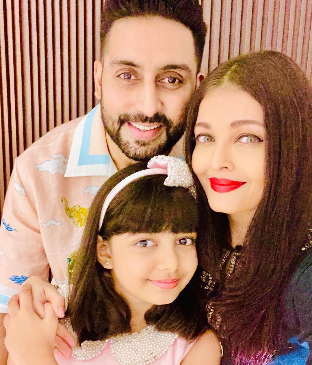 Actors Gossips: Aishwarya Rai Bachchan-Abhishek Bachchan pose for cute selfies with birthday girl Aaradhya Bachchan