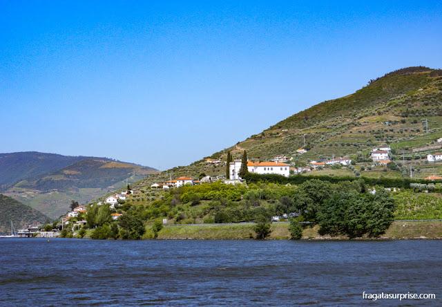 Passeio de barco pelo Rio Douro, em Portugal
