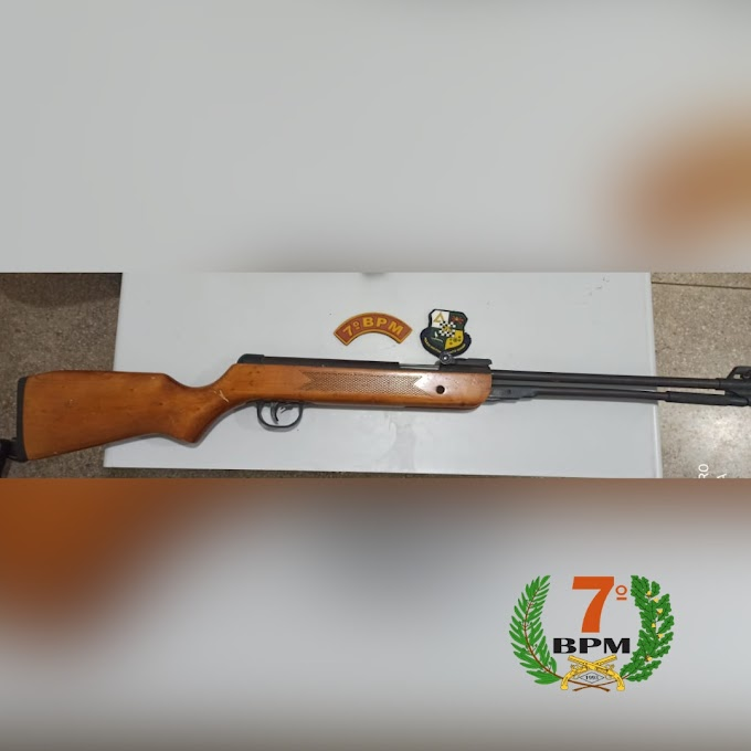 PM apreende espingarda de pressão adaptada para munição real em Rosário Oeste