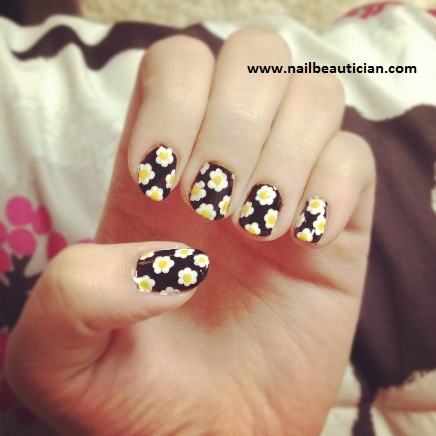 cute flower pattern nail art
