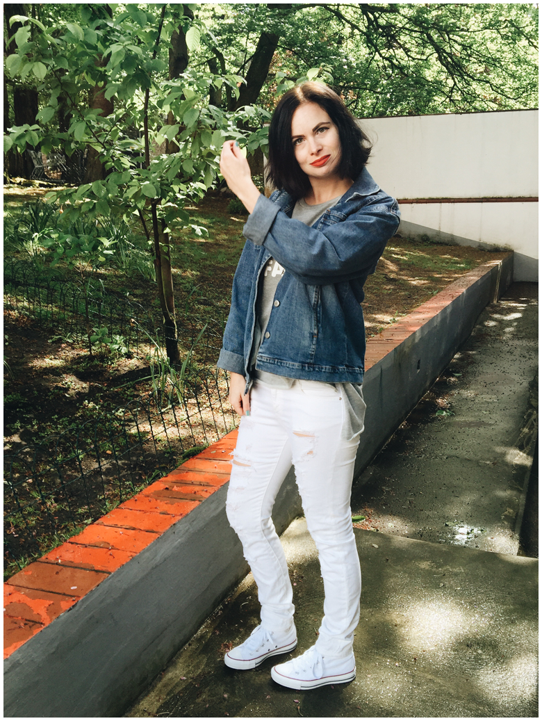 fashion | spring outfit | zara grey sweater with print, zara white ripped jeans, vintage denim jacket & white converse | more details on my blog http://junegold.blogspot.de | life & style diary from hamburg | #fashion #outfit #springoutfit #zara #converse #vintage