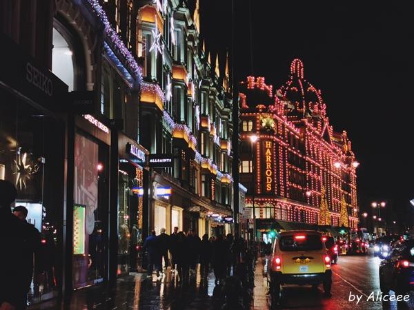 Harrods-de-Craciun-Londra-Uk-atractie-turistica