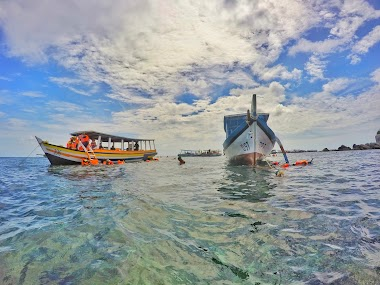 Sewa Perahu Hopping Island Belitung