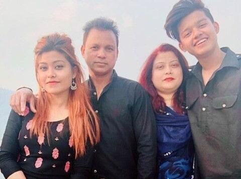 Riyaz Aly family, mom, dad, sister