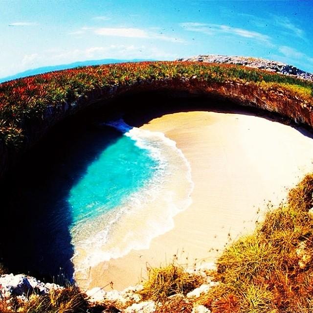 hidden beach mexico puerto vallarta, beach cave in mexico, cenotes in puerto vallarta, playa marietas nayarit, puerto vallarta hidden beach