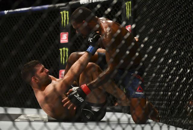 Thiago Moises Submits Michael Johnson UFC on ESPN+ 29