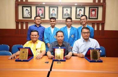 Mahasiswa UMSU Juara Debat Bahasa Inggris Kopertis I