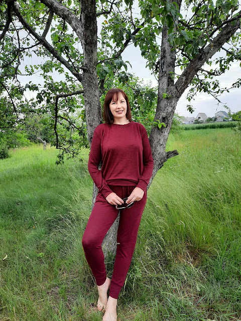 https://femmeluxefinery.co.uk/products/wine-loungewear-tracksuit-set-maria