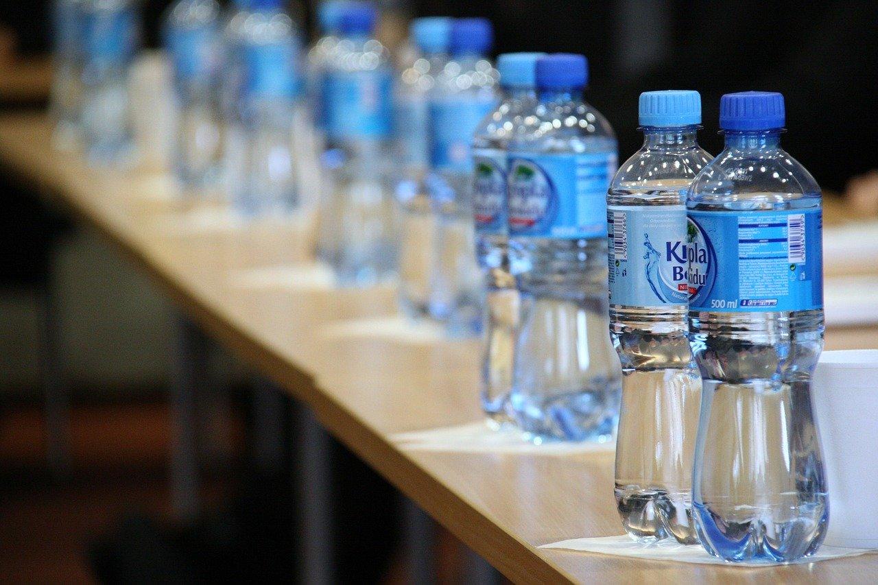 ธุรกิจผลิตน้ำดื่มบรรจุขวด! อาชีพอิสระ เก็บกินนาน