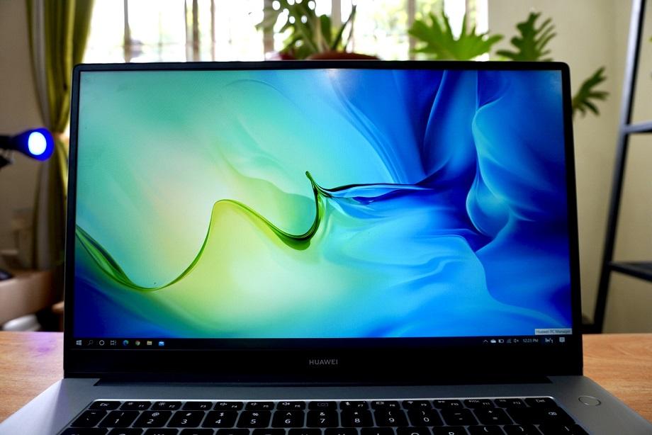 Huawei MateBook D15 2021 Review - Display