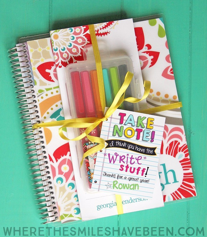 This thoughtful stationary gift is great to show teacher appreciation
