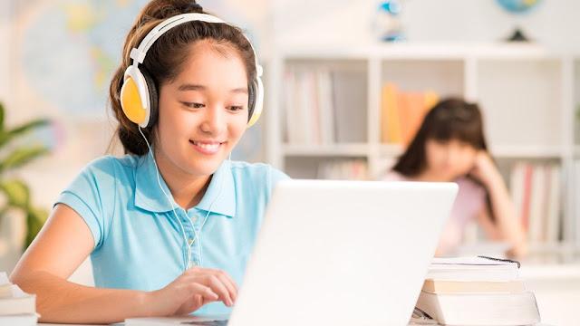 Tips Menjaga Anak Tetap Aman di Internet
