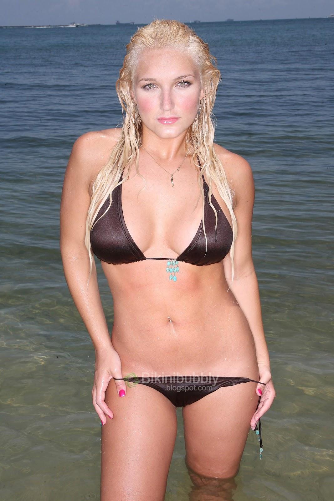 Brooke Hogan Bikini 76