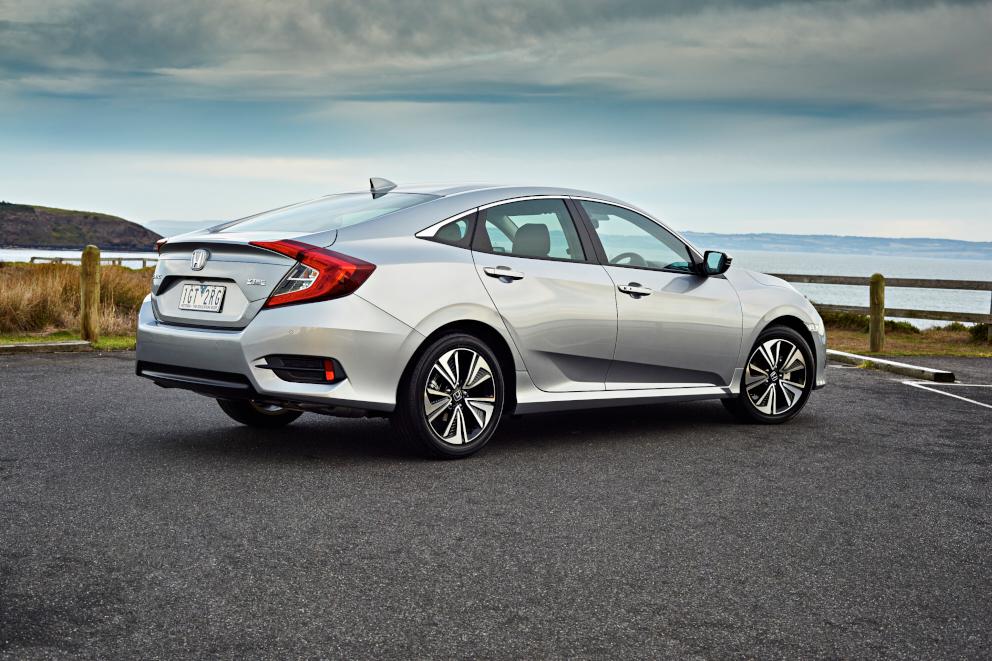 Honda Civic 2016 được đánh giá là chiếc xe an toàn nhất trong phân khúc