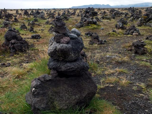 montenes llamados kairn en Islandia