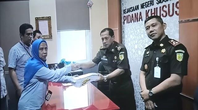 Rugikan Pajak Negara Diatas Rp 200 Juta, Kanwil DJP Jatim II Serahkan Tersangka ke Kejari Sidoarjo
