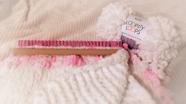 The Loom Muse Loopity Loop Yarn And How To Loom Knit A