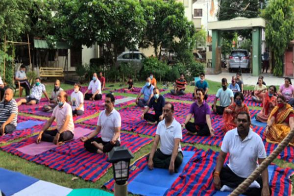 अंतरराष्ट्रीय योग दिवस आज: BJP मीडिया प्रभारी कटियार के निवास पर योग कार्यक्रम
